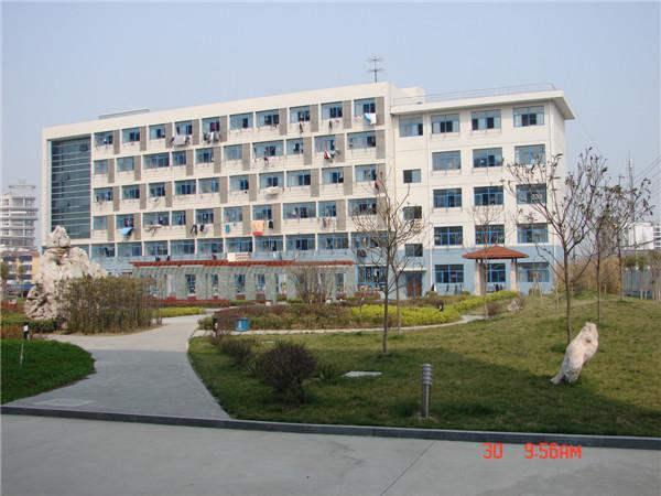 校本部-学生公寓
