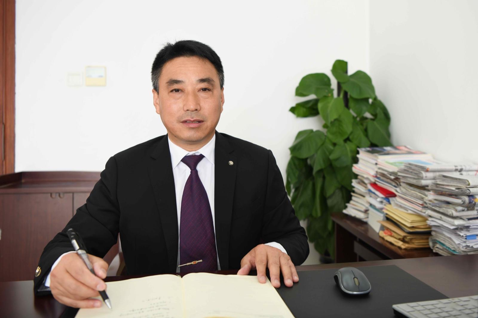 葛富有 党委委员